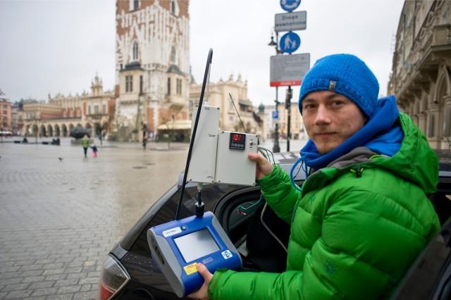 Badanie jakości powietrza w Krakowie.
