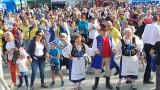 XXII Światowy Zjazd Kaszubów w Pucku. Inauguracja obchodów na Starym Rynku. Muzyka, śpiew i radość! Zobacz zdjęcia i film