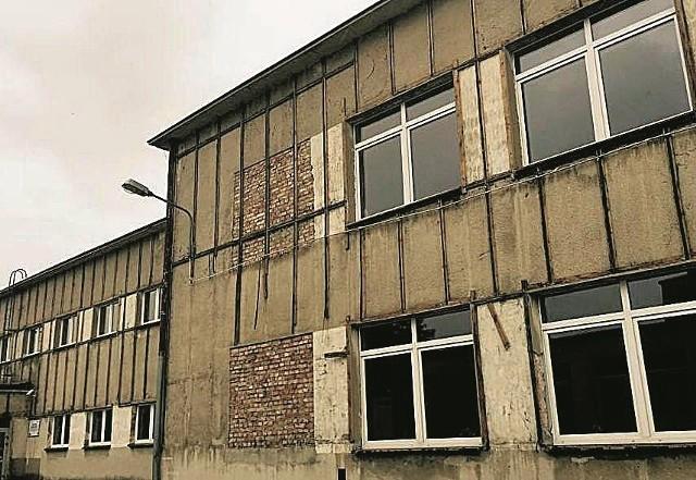 Z budynków gminnych, szkół, instytucji również usuwany jest azbest