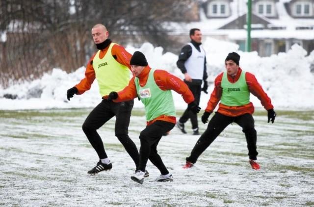 Jagiellończycy (od lewej): Tomasz Porębski, Tomasz Frankowski i Nika Dzalamidze, mają w czwartek pierwszy trening przed piłkarską wiosną