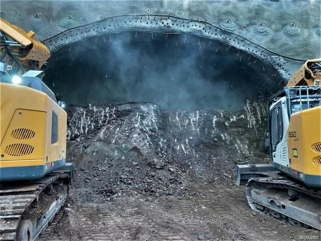 Budowa tunelu drogi ekspresowej S3 na Dolnym Śląsku, grudzień 2020