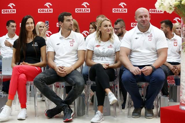 Od lewej: Martyna Dąbrowska, Rafał Omelko (AZS AWF Wrocław), Justyna Święty-Ersetic i Piotr Małachowski (Śląsk)