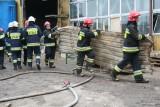 Pożar obok stolarni w Laskowicach! Dziewięć osób rannych! [zdjęcia]