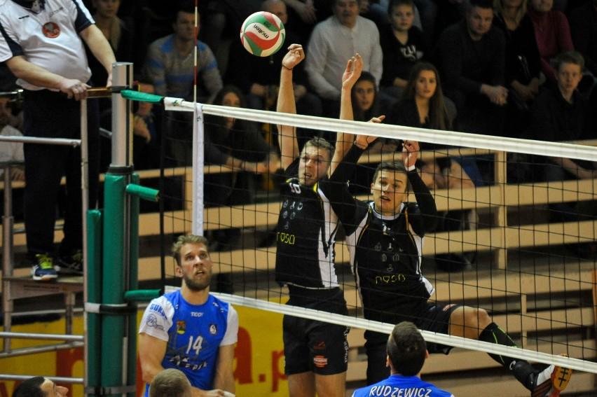 Karol Rawiak (nr 14) w minionym sezonie grał przeciwko Stali.