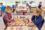 Szachy. W 8. rundzie Szkolnej Ligi wygrali Klara Szczotka i Jakub Perkowski