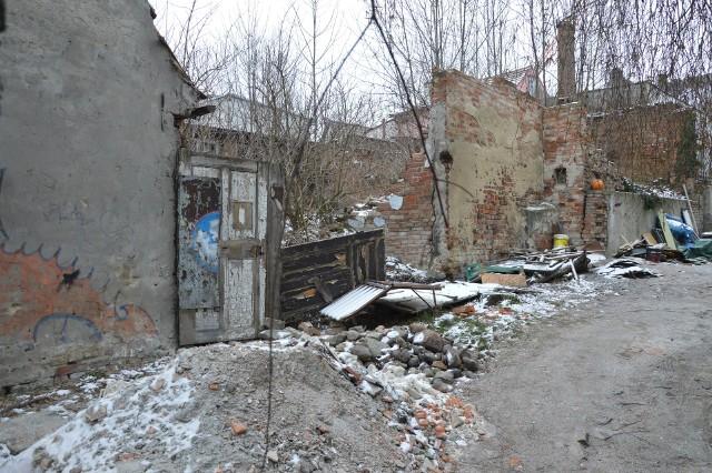 Mieszkańcy placu Matejki chcieliby, aby miasto pamiętało również o ich problemach...
