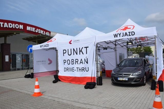 Do tej pory mobilne centra pobrań prób COVID-19 uruchomione zostały w Krotoszynie, Kaliszu, Ostrowie Wlkp. Kępnie, Rawiczu, Pleszewie, Gnieźnie i Ostrzeszowie.