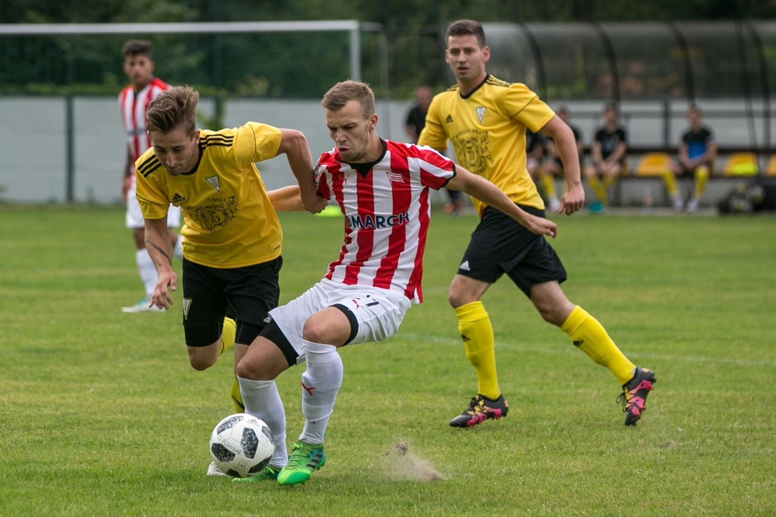a8499b18e Jakub Serafin zadebiutował w Cracovii w meczu sparingowym z Górnikiem  Wieliczka
