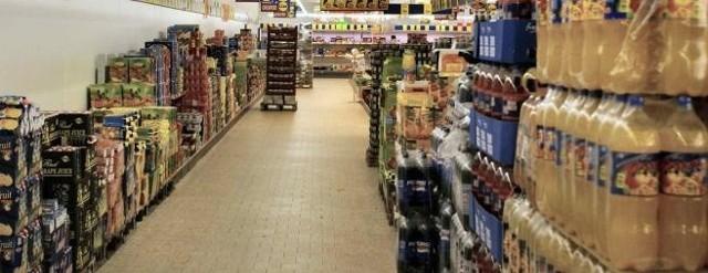 Ceny w hipermarketach. w zależności od sieci podwyżki wahają się od kilku do kilkunastu złotych