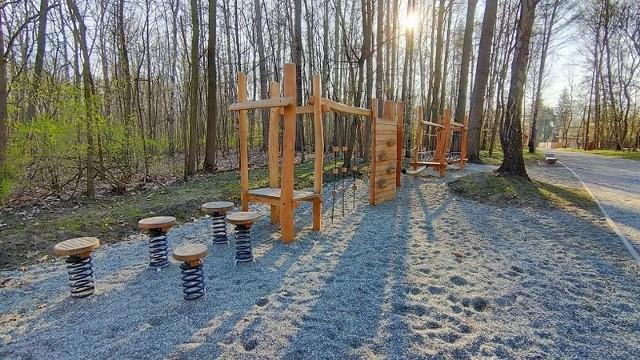 Tak wygląda dziś odnowiony Park Rozkówka w Będzinie. Warto wybrać się tam w majówkę Zobacz kolejne zdjęcia/plansze. Przesuwaj zdjęcia w prawo - naciśnij strzałkę lub przycisk NASTĘPNE
