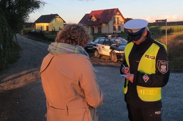 Policjanci w ciągu dwóch dni  sprawdzali pieszych. Wiele osób   nie przestrzega przepisów. Tym razem były pouczenia, ale...