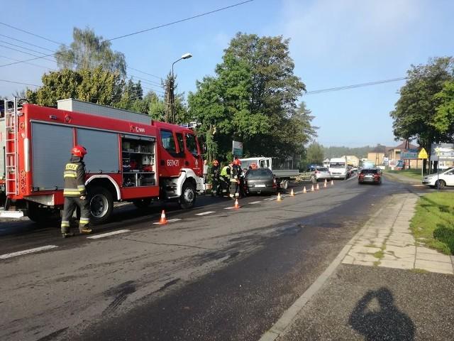Opel omega zderzył się z autem dostawczym na ulicy Pszowskiej