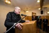 Koronawirus w Polsce. Ksiądz Kneblewski otrzymał karę od Facebooka za fake newsy o szczepionkach