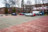 Sosnowiec. Nowe miejsca parkingowe przy Energetycznym Centrum Kultury prawie gotowe. Powstało ponad 100 miejsc dla kierowców