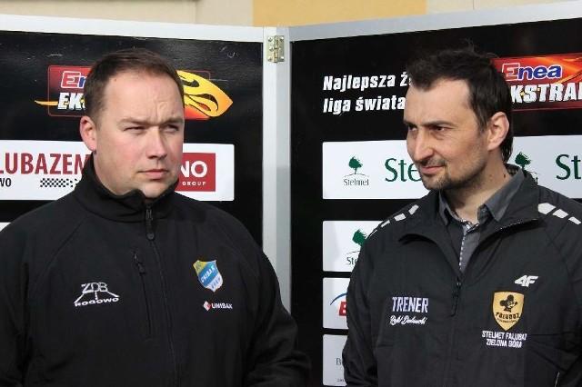 Sławomir Kryjom (z lewej) i trener SPAR Falubazu Rafał Dobrucki w trakcie ubiegłorocznego, kwietniowego meczu przy W69.