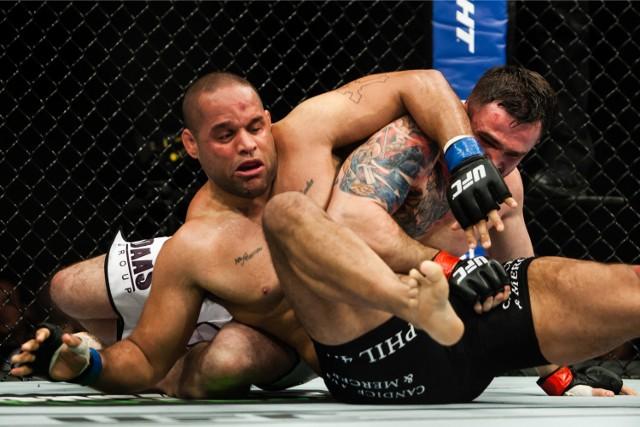 Daniel Omielańczuk wskoczył do czołowej 15 rankingu UFC wagi ciężkiej