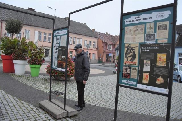 Na rynku w Szubinie  oglądać można wystawę poświęconą wojnie polsko-bolszewickiej