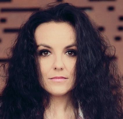 Patrycja Zywert - Szypka zaśpiewa w muszli o kobiecie.