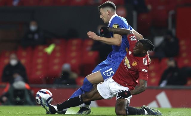 Jakub Moder bliski strzelenia gola w meczu z Manchesterem United