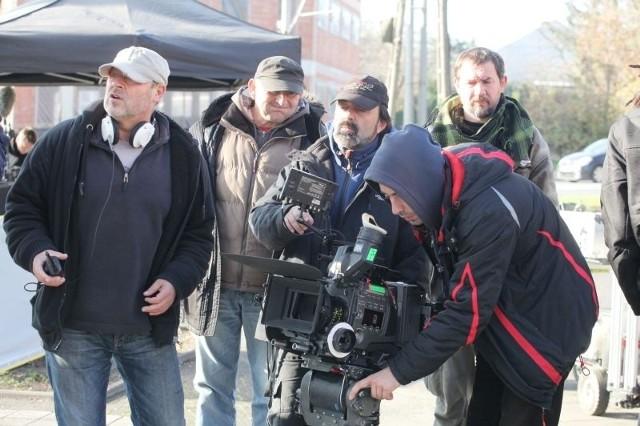 Kamera przed startem. Z lewej reżyser Jan Jakub Kolski. Brodacz w czapce to operator Piotr Lenar