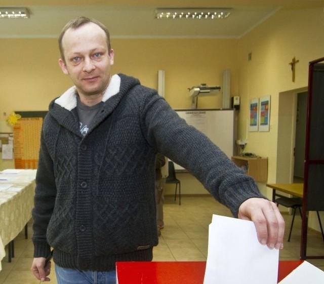 Paweł Olszewski, poseł PO40 tys. złotychmieszkanie 90 m kw. o wartości 500 tys. złotychchevrolet z 2008 rokukredyt w wysokości 500 tys. złotych