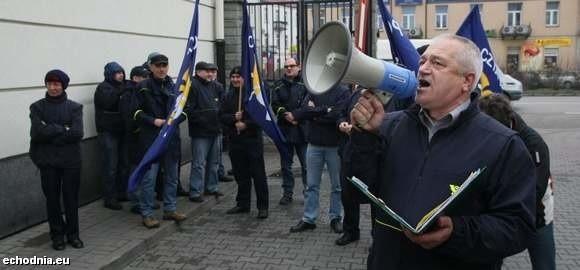 Dziś rano przed siedzibą Poczty Polskiej odbyła się pikieta listonoszy