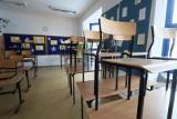 Łódzkie szkoły szykują się na 1 września - nie planują wielkich uroczystości inauguracyjnych, tylko kameralne spotkania w klasach