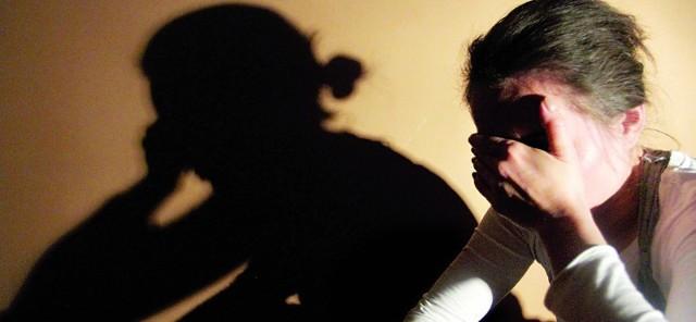 Przez ile lat córki tego mężczyzny przezywały dramat? Śledczy ustalili, że do pierwszego molestowania doszło 20 lat temu.