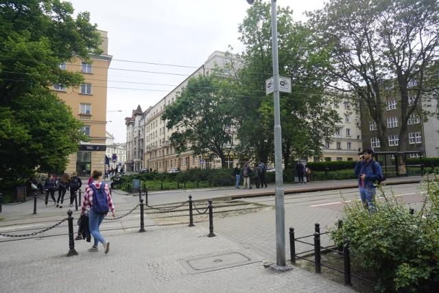 Tak obecnie wygląda plac Cyryla Ratajskiego w Poznaniu.