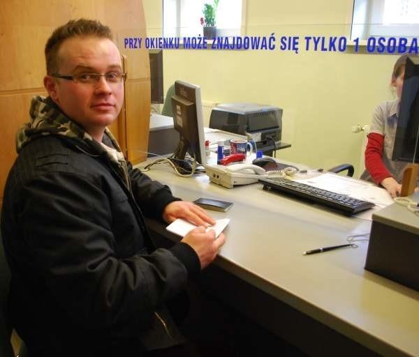 Krzysztof Komisarczuk był dziś jedną z niewielu osób, które składały wniosek.