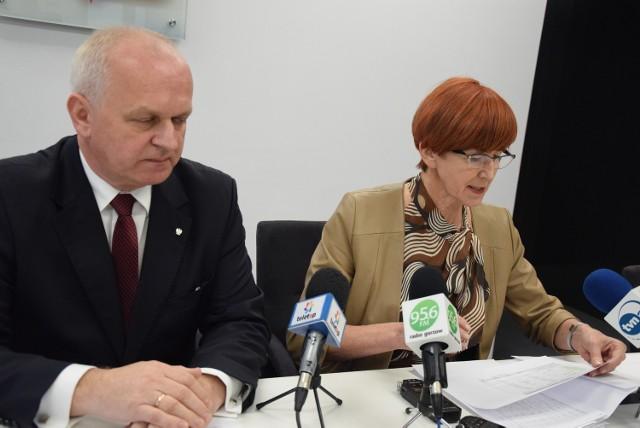 Minister Elżbieta Rafalska o rządowych programach mówiła na konferencji w towarzystwie wojewody Władysława Dajczaka.