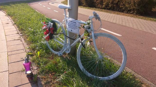 Duch roweru stanął tuż obok miejsca śmierci przy ul. genaerała Maczka w Białymstoku