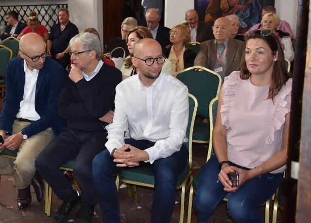 """Na zamku w Golubiu-Dobrzyniu zorganizowano galę konkursu wiedzy historycznej """"Polska - Szwecja, między rywalizacją i współpracą"""""""