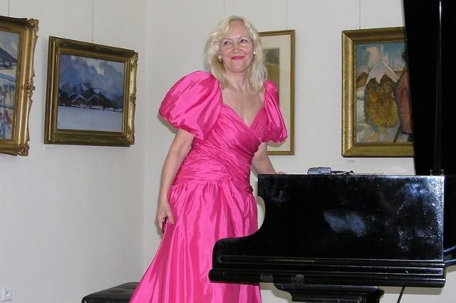 Światowej sławy pianistka Nina Kuźma-Sapiejewska znakomicie gra Chopina. Nic dziwnego, że otworzyła w Grudziądzu Rok Chopinowski. (Na zdjęciu - z wcześniejszego koncertu w Muzeum).