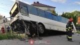 Śmiertelny wypadek w Wawrzeńczycach. Autobus zderzył się z samochodem osobowym