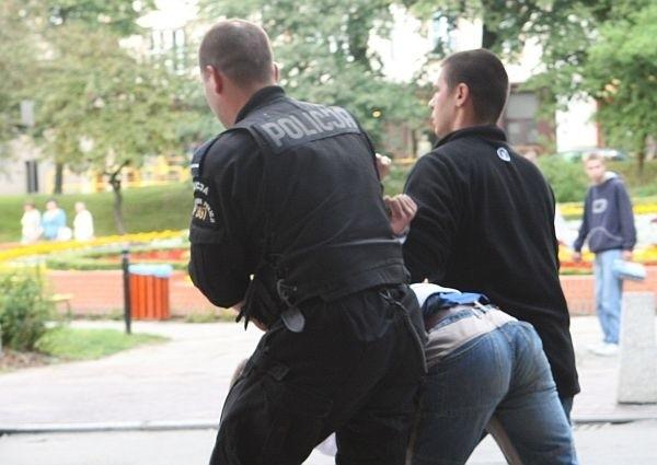 Policjanci odnaleźli 115 osób
