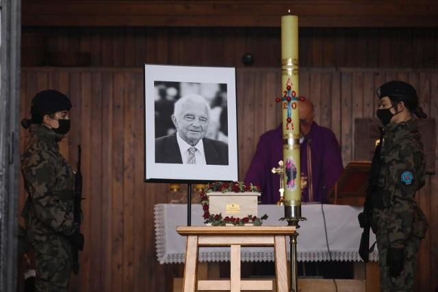 4 marca 2020, Kraków: pogrzeb Zygmunta Szewczyka na cmentarzu w Bieżanowie