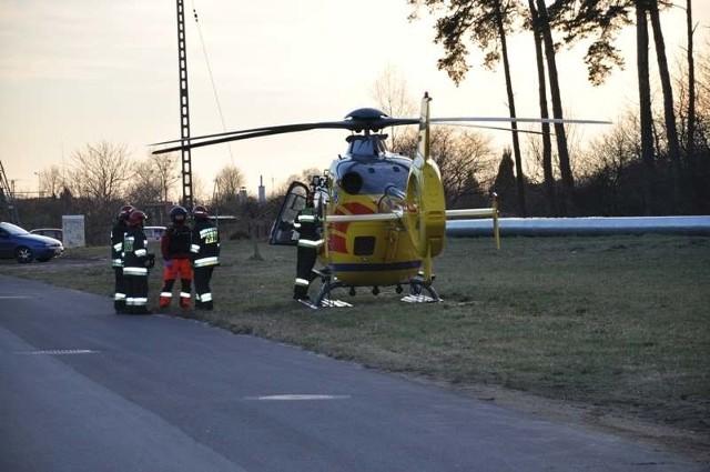 Helikopter LPR ma zabrać najciężej rannego do szpitala.
