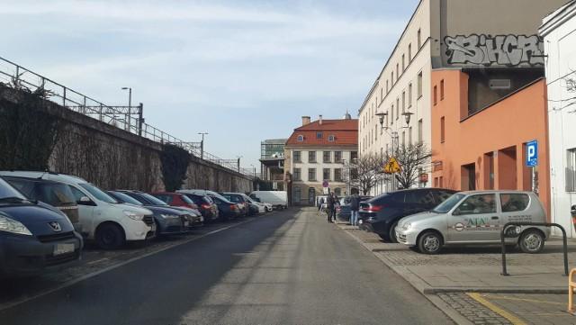 Tylna Mariacka w KatowicachZobacz kolejne zdjęcia. Przesuwaj zdjęcia w prawo - naciśnij strzałkę lub przycisk NASTĘPNE