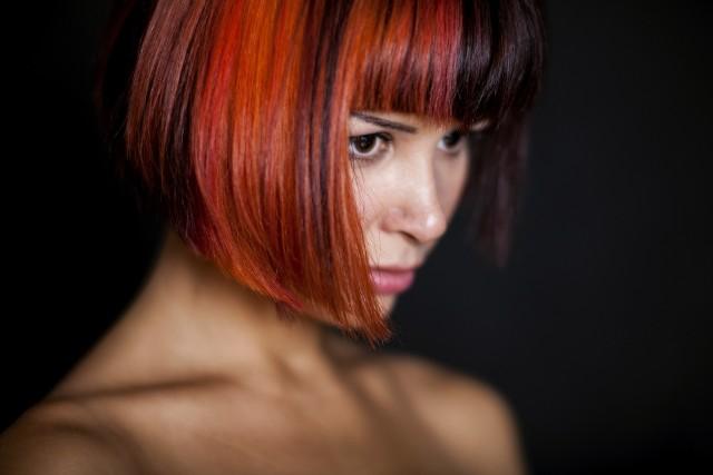 Fryzury na lato 2020. Trendy fryzjerskie na wakacje: fryzury do ramion, długie, bob, kolorowe. Inspiracje z Instagrama!