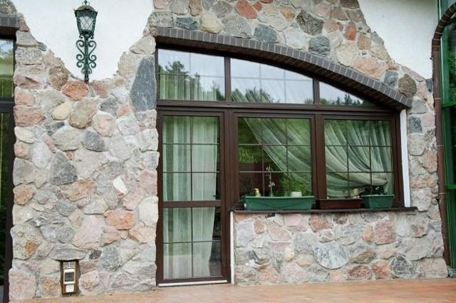 Okna w nietypowym kształcieOkna w nietypowym kształcie są droższe od typowej stolarki katalogowej