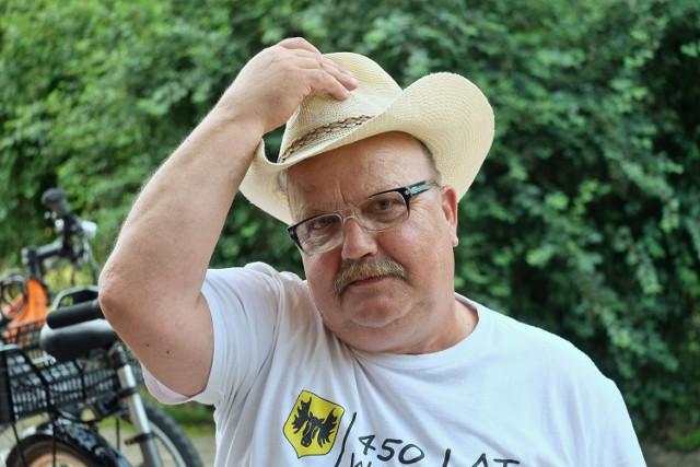 - Wszedłem w to bagno na początku swojego dorosłego życia - mówi 62-letni Piotr Kisielewicz. Nie pije od 19 lat. Dla siebie i innych stworzył Próg Nadziei.