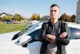 """Plewiska: Mieszkańcy skarżą się na złodziei samochodów. """"Policja radzi mi kupno seicento w gazie, bo złodzieje nie odpuszczą"""""""