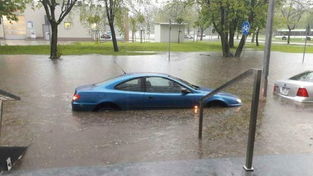 7 maja 2017 roku nad Białymstokiem przeszła wielka burza. W ciągu dziewięciu godzin w mieście spadło 84,8 mm wody.