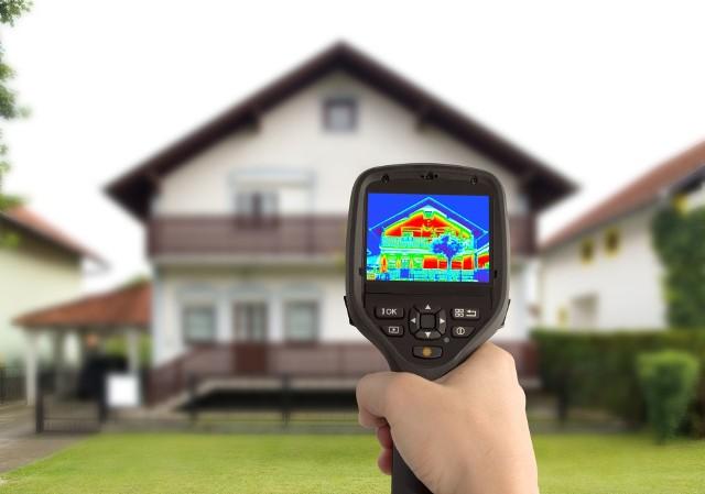 Badanie termowizyjne domuDofinansowania w programie Czyste Powietrze można przeznaczyć m.on. na ocieplenie domu i wymianę okien oraz wymianę kotła.