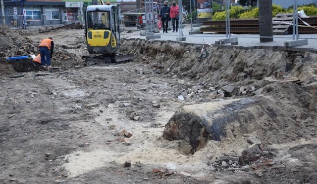 Archeolodzy odsłonili w centrum Gorzowa ślady po... stacji paliw
