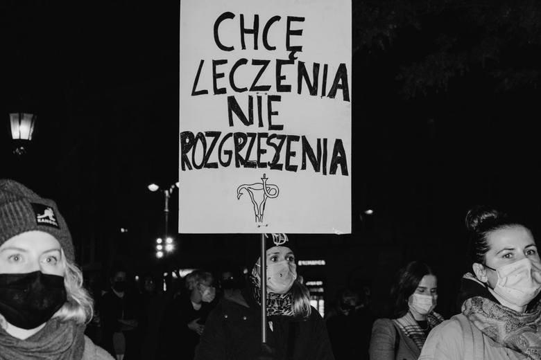Najlepsze hasła protestujących kobiet....