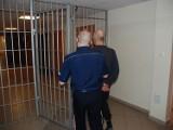 Bombiarz w Czarnem zatrzymany przez policję! Miał przy sobie cały arsenał. Groził wysadzeniem domu