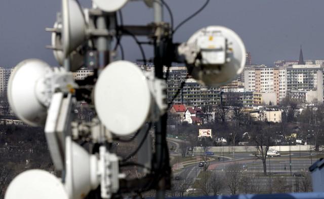 Sieć 5G uruchamiana przez polskich operatorów na razie działa na częstotliwościach wykorzystywanych przez LTE. W Opolu 5G działa obecnie w T-Mobile.