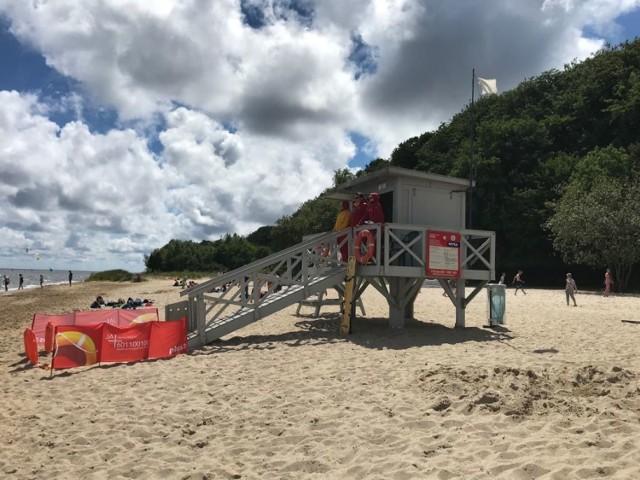 Plaża w Pucku. Sinice w powiecie puckim (stan na 25.07.2018). Sprawdź, gdzie można spokojnie się pluskać [LISTA KĄPIELISK]
